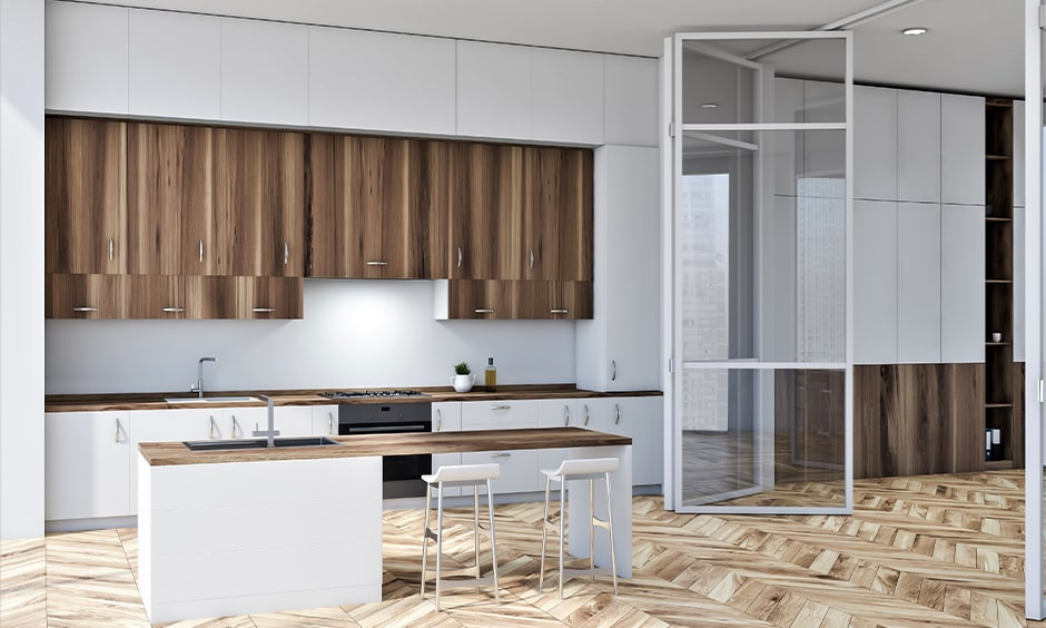 Aluminium kitchen door with transparent glass