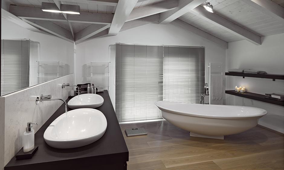 Bathroom false ceiling designed with uneven wood looks rustic, false ceiling ideas for bathroom.