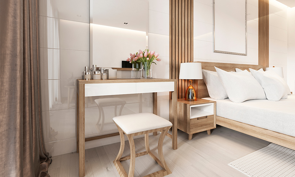 White colour dressing table with a texture of the wood combination looks classic in the bedroom.