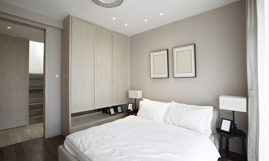 Almirah Vastu, Cash almirah in the bedroom placed in north direction keeps the vibe free of obstacles and allows growth