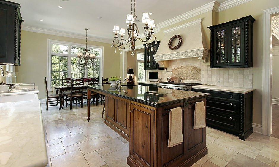 Chandeliers for elegant kitchen island lighting
