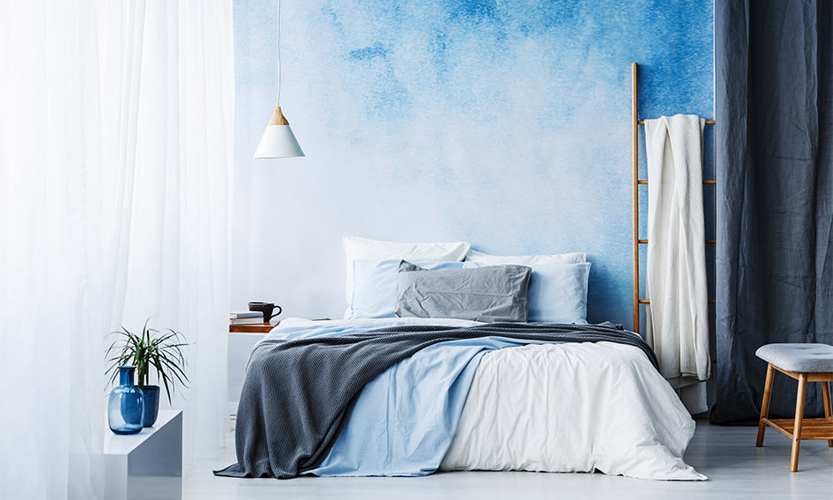 Cobalt blue and white bedroom design ideas