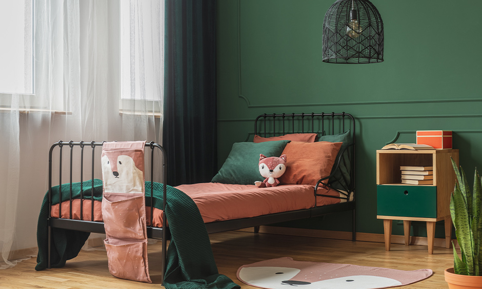 what color curtains with green walls