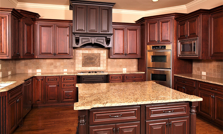 Two tone kitchen cabinets brown and white which look luxurious and stylish in this rustic-themed kitchen
