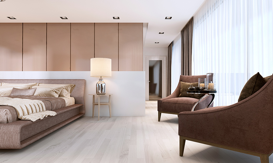 Bedroom laminate flooring in whitewash pattern light colour looks warm is the floor lamination for home.