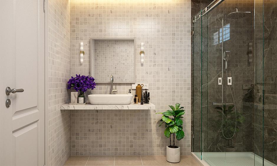 A small mirror and lack of proper storage are the bathrooms interior design mistakes.